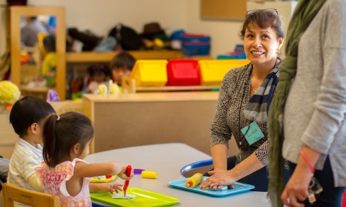 Parents attend SDCE's Free Child Development Classes with their Preschoolers