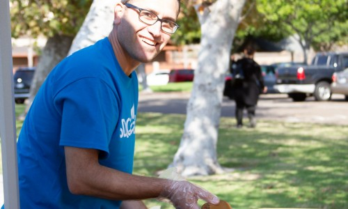 Student Ambassadors serve Southeastern San Diego community with free fresh produce